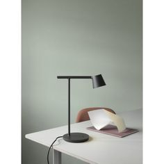 Muuto just released the Tip Lamp designed by Jens Fager. The lamp is created from the idea of stripping a design down to its essentials. The Tip Lamp is an example of simple, functional design with careful attention to detail. Desk Light, Light Table, Muuto Lighting, Task Lighting, Lighting System, Lighting Design, Architect Lamp, Lamp Inspiration, Interior Inspiration