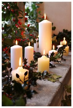 Simple way to decorate a mantle. Yet so festive.