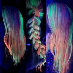 #neonelectric #pulpriot #pulpriothair #hair #haircolor #glowinthedark #neon