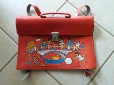 ΣΧΟΛΙΚΗ ΤΣΑΝΤΑ Vintage School, 80s Kids, Vintage Pictures, School Days, Hermes Kelly, Vintage Toys, Animals And Pets, Childhood Memories, School