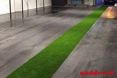 Eind resultaat van de Crossfit vloer gecombineerd met kunstgras.  Voor meer informatie kijk ook even op onze website: http://noddevelt.nl/rubber-matten/transportband-vloer-mat-in-crossfit-box.html