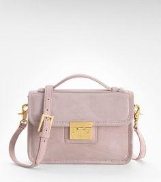 Bolsos tipo maletín son perfectos para un día de trabajo y hasta para una noche con tus amigas!