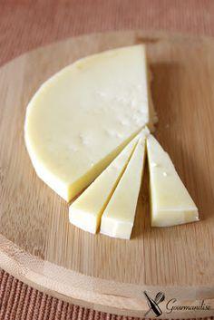queso tipo Provolone (Bodega Narbona - Uruguay)