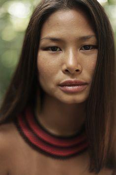 6 Best Hip Exercises for Women Health : Sport for Women in 2020 - Frau Foto Portrait, Portrait Photography, Dark Portrait, Woman Portrait, Pretty People, Beautiful People, Native American Beauty, Native American Features, Beauty Around The World