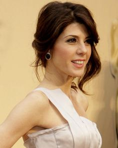 Its not hard to find a picture of the beautiful celebrity actress, Marisa Tomei not smiling, and for good reason. Marisa Tomei has an amazi. Black Wedding Hairstyles, Casual Hairstyles, Pretty Hairstyles, Updo Hairstyle, Bridal Hairstyles, Front Bangs, Loose Updo, Side Swept Hairstyles, Wedding Beauty