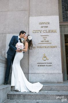 So you want to have a New York City Hall Wedding? Here I share a guide on how you can go through the process at the marriage bureau seamlessly and prepared. Nyc City Hall Wedding, New York City Hall, Wedding Ideas Nyc, Wedding Poses, City Hall Weddings, Themed Weddings, Wedding Photoshoot, Civil Wedding, Elope Wedding