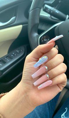 Red lip fantasy nails, 2019 nails, glam nails ve prom nails. Aycrlic Nails, Bling Nails, Hair And Nails, Coffin Nails, Nagel Hacks, Fire Nails, Best Acrylic Nails, Dipped Nails, Dream Nails
