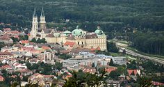 Klosterneuburg with the dominant monastery as seen from its neighbour Vienna - the Kahlenberg, to be precise Travel Information, Vienna, Austria, Paris Skyline, Dolores Park, To Go, Museum, Places, Museums