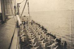 Militari tedeschi in esercizio su nave da guerra