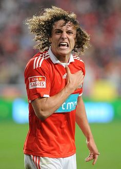 SLB - David Luiz Good Soccer Players, Football Players, My Dream Team, Pier Paolo Pasolini, Sports Clubs, Football Soccer, Love Of My Life, Superstar, Portugal