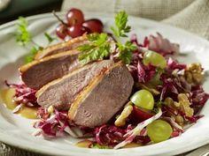 Gebackene Entenbrust an Radicchio-Trauben-Salat #ente #trauben #radicchio #advent #weihnachtsmenü