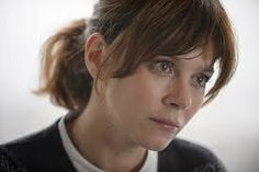 How to get Anna Friel's casual DS Marcella Backland look.: How to get Anna Friel's casual DS Marcella Backland look Anna Friel Marcella, Hairstyles With Bangs, Cool Hairstyles, Hairdos, Baby Bangs, New Hair Do, Pale Skin, About Hair, Actresses