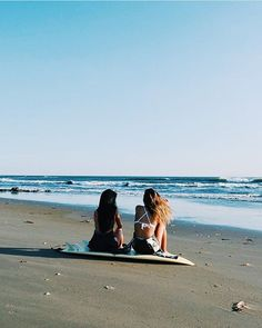 Goal #177 on my bucketlist : Going on a surftrip with a friend  .  I want to realize my biggest dreams. Will you achieve yours?  @surf_expedition   (sorry. can't stop using my fav emojis) by cindycournoyer