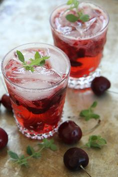 Cherry Gin Bramble from @heatherchristo