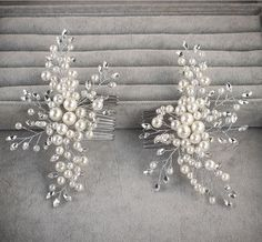 Hey, I found this really awesome Etsy listing at https://www.etsy.com/listing/220067636/pearl-bridal-hair-comb-bridal-hair