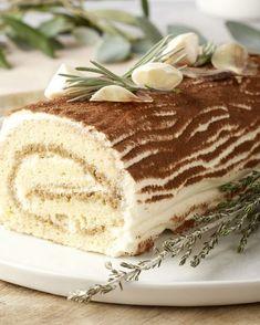 Baking Recipes, Cake Recipes, Dessert Recipes, Chocolate Desserts, Fun Desserts, Bistro Food, Savoury Cake, Food Cakes, Christmas Desserts