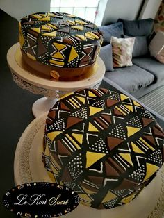 Black Panther Movie Wakanda Ethnic Africa Home Inspo – Cake designed to look like african drum kente cloth Traditional Wedding Cakes, Traditional Cakes, Modern Traditional, Beautiful Cakes, Pretty Cakes, Africa Cake, African Wedding Cakes, Diva Cakes, African Theme