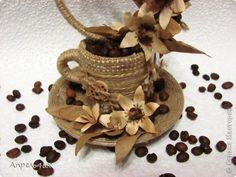 Buenos días a todos Visitante! En Ucrania, los inquietos, pero la vida sigue, para escapar de los pensamientos dolorosos, participar en las manos, 8 de Marzo pronto - Fiesta de la Primavera. Eso es para un par de noches nací una taza de café más sabroso. 5 fotos