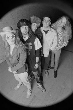 Irene M uploaded this image to 'Mother Love Bone'. See the album on Photobucket. Nirvana, Andrew Wood, Grunge, Heavy Metal Fashion, Big Box Braids, Temple Of The Dog, Punk, Golden Child, Pearl Jam