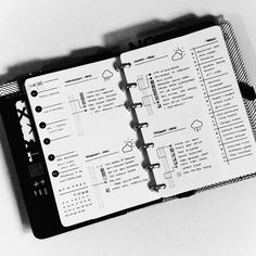 See how Cristina @shilen.qc uses her minimal bullet journal to manage her home, family, and flexible nature of life.