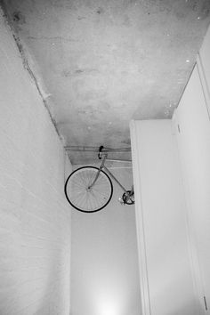a photographi took in melbourne in 09 Fixed Gear, Track Lighting, Melbourne, Old Things, Japanese, Ceiling Lights, Bike, Photography, Decor