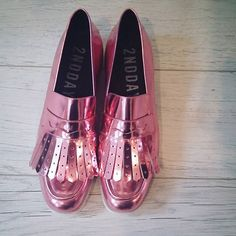 These @2nddayofficial intergalactic bubblegum flats are on my wishlist for spring obvs!