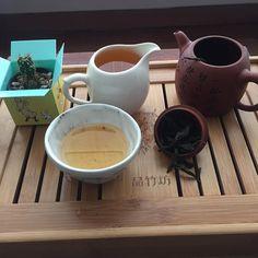 On my 4th brew of this Da Hong Pao... And getting better! #dahongpao #tepatitea #oolong #wuyioolong #tintin by tepati_tea