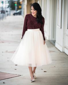 Easy winter glam in this gorgeous tulle skirt from @space46boutique. Now on the blog-- link in profile! Happy fri-yay everyone! #whimsydreamy #holidaylook #Texasfashionblogger #ootd