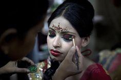 """Bangladesh, il matrimonio della sposa bambina: """"La più triste che abbia mai visto"""""""