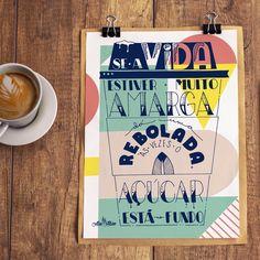Se a vida estiver muito amarga, dá uma rebolada. Às vezes o açúcar está no fundo.  . ____ Arte disponível na  @toutsbrasil [touts.com.br/alinealbino] .  #typespire #goodtype #thedailytype #thedesigntip #handlettering #lettering #typography #calligraphy #typeveryday #handmadefont #typoholic #creativity #letter #words #design #handmade #byalinealbino #cafe #coffee #instacoffee