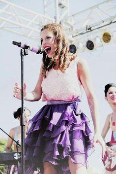 En Mi Mundo Thalia, Ariana Grande, Ballet Skirt, Skirts, Dahl, Celebrity, Lovers, Fashion, World