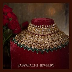 The classic Sabyasachi bridal choker. Set in gold, uncut diamonds, Japanese cultured pearls and Zambian emeralds. Indian Jewelry Earrings, Indian Jewelry Sets, Indian Wedding Jewelry, India Jewelry, Bridal Jewelry Sets, Gold Jewellery, Bridal Jewellery, Choker Jewelry, Chokers