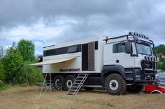 Expedition-truck-and-mobile-home-4x4-6x6-MAN-TGM-KAT ...