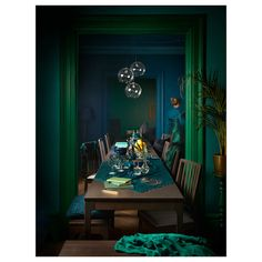 Like the idea of dark blue/teal walls & green painted molding Interior Paint Colors For Living Room, Living Room Decor, Dark Walls Living Room, Green Dining Room, Teal Walls, Green Walls, Dark Interiors, Blue Rooms, Bedroom Green