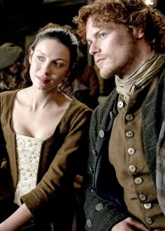 Outlander with Caitriona Balfe as Claire and Sam Heughan as Jamie . listening to the Song Claire Fraser, Jamie Fraser, Claire And Jamie, Outlander Season 1, Outlander 3, Sam Heughan Outlander, Outlander Casting, Outlander Wedding, Outlander Quotes
