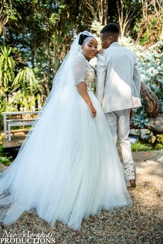 Wedding Photography, Weddings, Wedding Dresses, Fashion, Wedding Shot, Moda, Bodas, Bridal Dresses, Alon Livne Wedding Dresses