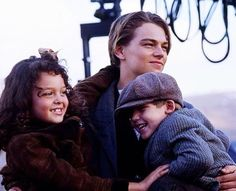 Leonardo on set with the child actors. So precious.