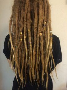 My hair after nearly 2 years of dreads Dreadlocks Girl, Blonde Dreads, Red Dreads, Dreadlock Hairstyles, Messy Hairstyles, Pretty Hairstyles, Short Dreads, Thick Dreads, White Girl Dreads