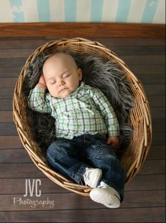 Children photography 6 month old baby boy  who doesn't love a baby in a basket? <3