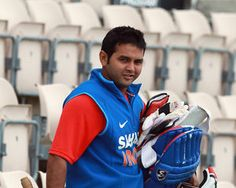 Parthiv Patel replaces Saha in Indian Test team