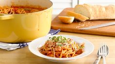Dinner doesn't get any easier! This one-pot pasta is sure to be a dinnertime hit.