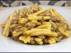 CASERECCE CON SALSICCIA E CARCIOFI - CUCINANDOMELAGODO - YouTube Italian Pasta, Italian Cooking, My Favorite Food, Favorite Recipes, Gnocchi, Pasta Dishes, Nom Nom, Spaghetti, Good Food