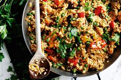 Paella Chicken And Chorizo Paella Recipe, Chicken Paella, Healthy Diet Tips, Healthy Junk, Healthy Food, Healthy Recipes, Eating Plans, Nutritious Meals, Quick Meals