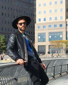 "2,574 mentions J'aime, 33 commentaires - Christian Bendek (@christianbendek) sur Instagram: ""The Urban Sombrero #OneWorldTradeCenter Hat by @shopartesano #dolcegabbana #Versace #ShopArtesano…"""
