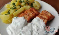 Šťavnatý filet z lososa přelitý dipem ze zakysané smetany | NejRecept.cz European Cuisine, Ham, Soup, Healthy Recipes, Cheese, Chicken, Baking, Desserts, Cooking