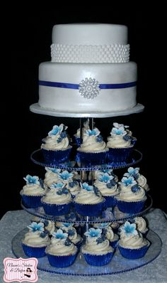 wedding cake and cupcakes together my cakes amp cupcakes on 138 pins 21736