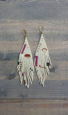 3e6c9a709863e0 Minimalist Fringe Earrings Handmade Jewelry, Diy Jewelry, Jewelry Design,  Bead Jewelry, Crochet