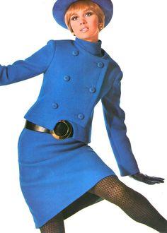 Lanvin L'Officiel, 1967 blue suit dress unique unusual design belt double breasted hat gloves fashion style desiger 60s And 70s Fashion, 60 Fashion, Fashion Week, Fashion History, Retro Fashion, Vintage Fashion, Womens Fashion, Fashion Design, Fashion Trends