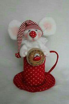 Ratón Felt Christmas Ornaments, Christmas Goodies, Christmas Crafts, Love Craft, Craft Work, Christmas Centerpieces, Xmas Decorations, Mouse Crafts, Christmas Projects