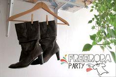 Free Ropa Party para dejar volar la ropa que ya no usas. Unas botas...